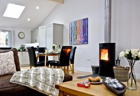 The 5-star luxury 'Oak Lodge' with a Lysa Elipse 5 Wood Burning Stove at South View Holiday Lodges.